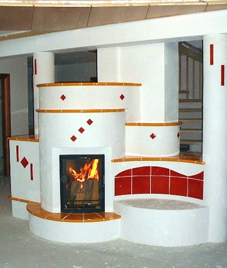 kamin mit kacheln fireplace kaminofen serena mit kacheln beige sitzbank 7 moderner kachelofen. Black Bedroom Furniture Sets. Home Design Ideas